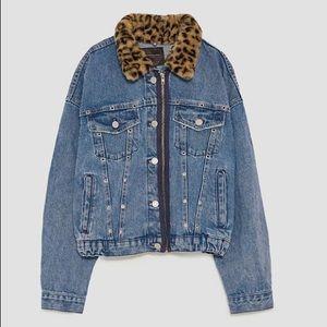 Jean Jacket With Faux Fur Cheetah Print Collar